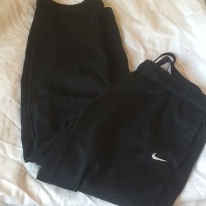 nike thermafit sweatpants with fleece size M